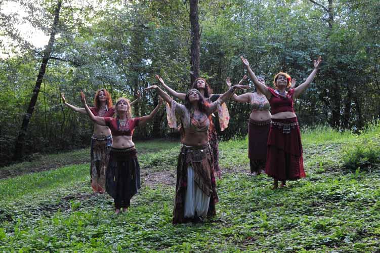 danza-tribal associazione-armonia-la-natura-è-il-mio-tempio- danza-sciamanica